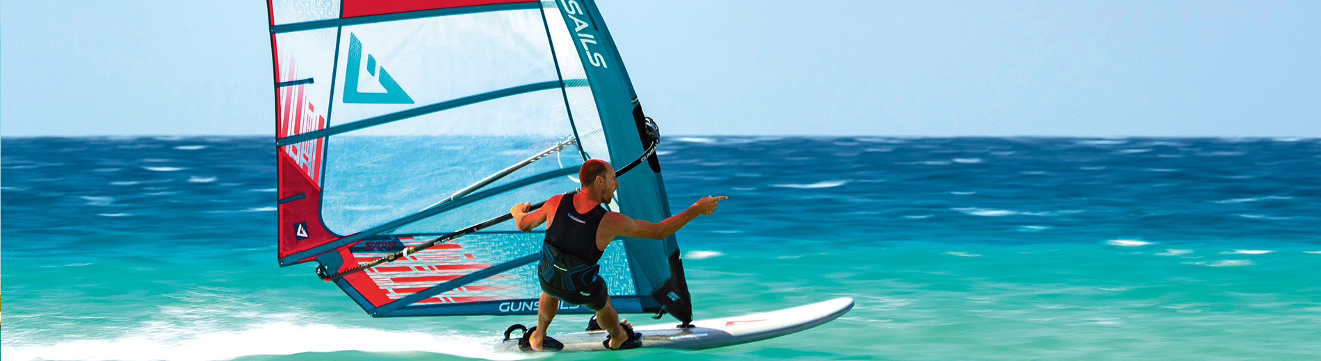 GUNSAILS | Pieter Bijl - Defi Wind Rider, PWA Worldtour, Slalom and Foil Windsurfing