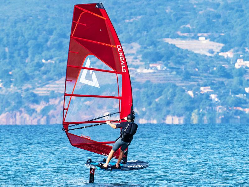 Foil-Windsurf-1.jpg