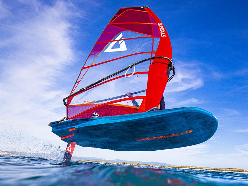 Foil-Windsurf-3.jpg