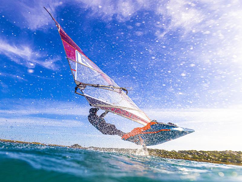 Foil-Windsurf-4.jpg