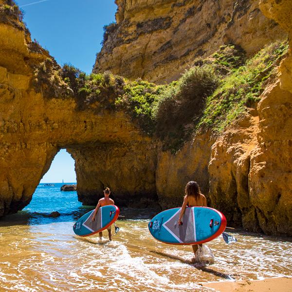Aufblasbares SUP Board mit Windsurf Funktion zum Stand Up Paddle und Windsurfen