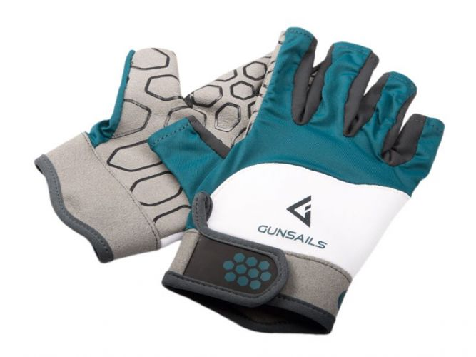 Breathable neoprene Amara gloves protect palms and fingers on warmer surf days