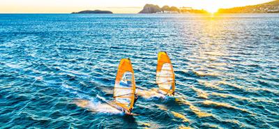 GLEITEN UND FUSSSCHLAUFEN SURFEN